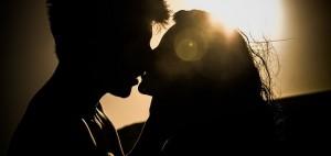 Los padres deben manejar con cautela los noviazgos de adolescentes