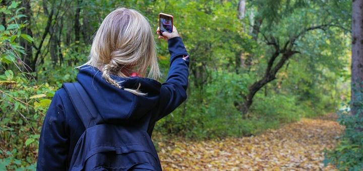 Los padres deben estar alerta ante la conducta que adquieren sus hijos con los teléfonos celulares Foto: Pixabay
