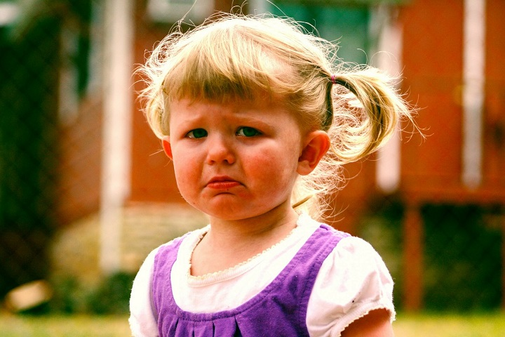 baby-niña llorando-foto Pixabay