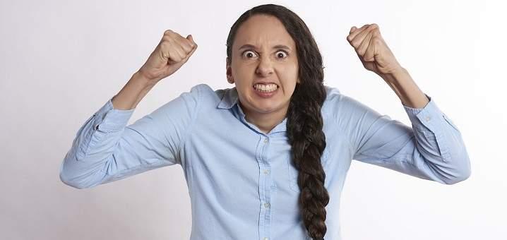Los maestros deben controlar la ira