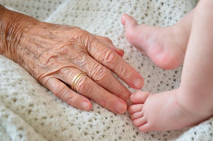 Los abuelos aman a los nietos más que a sus hijos