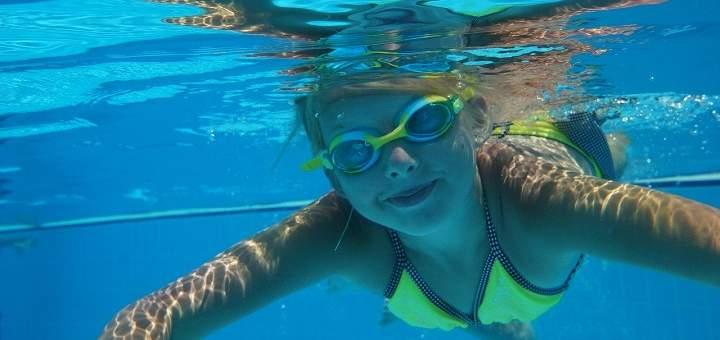 la natación es un buen deporte para niños